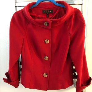 Escada crimson tailored blazer